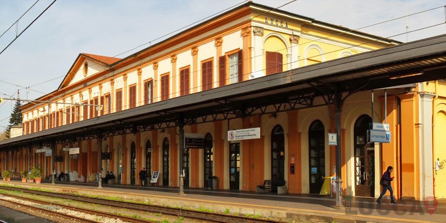 How to get to Lucca by Train